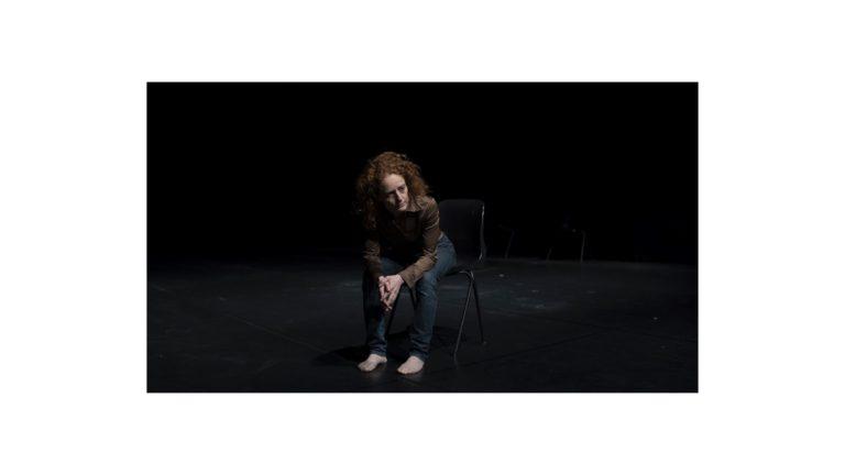Si può parlare di uno spettacolo attraverso una poesia? Abstract. Un'azione concreta di Silvia Rampelli
