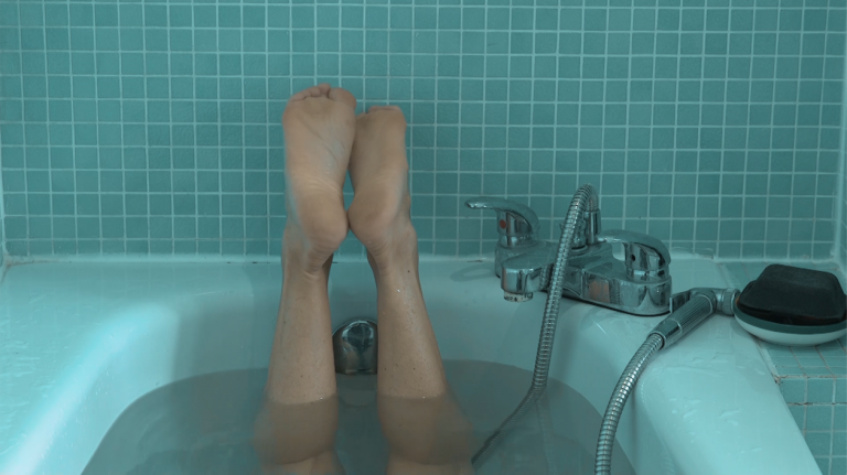 Io, l'autoteatro e il nuoto domestico: intervista a Silvia Mercuriali