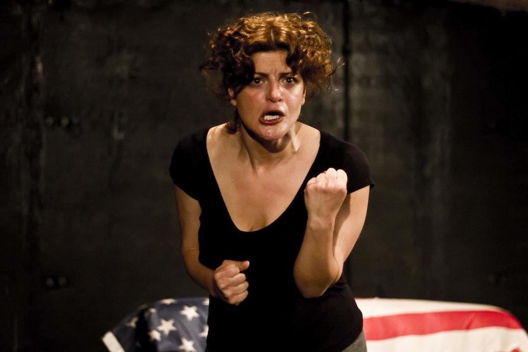 Re(L)azioni_Bianca Nappi in una scena