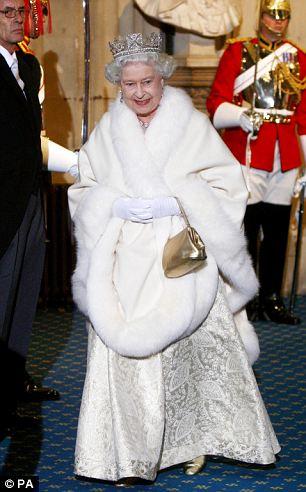 la regina e la borsetta