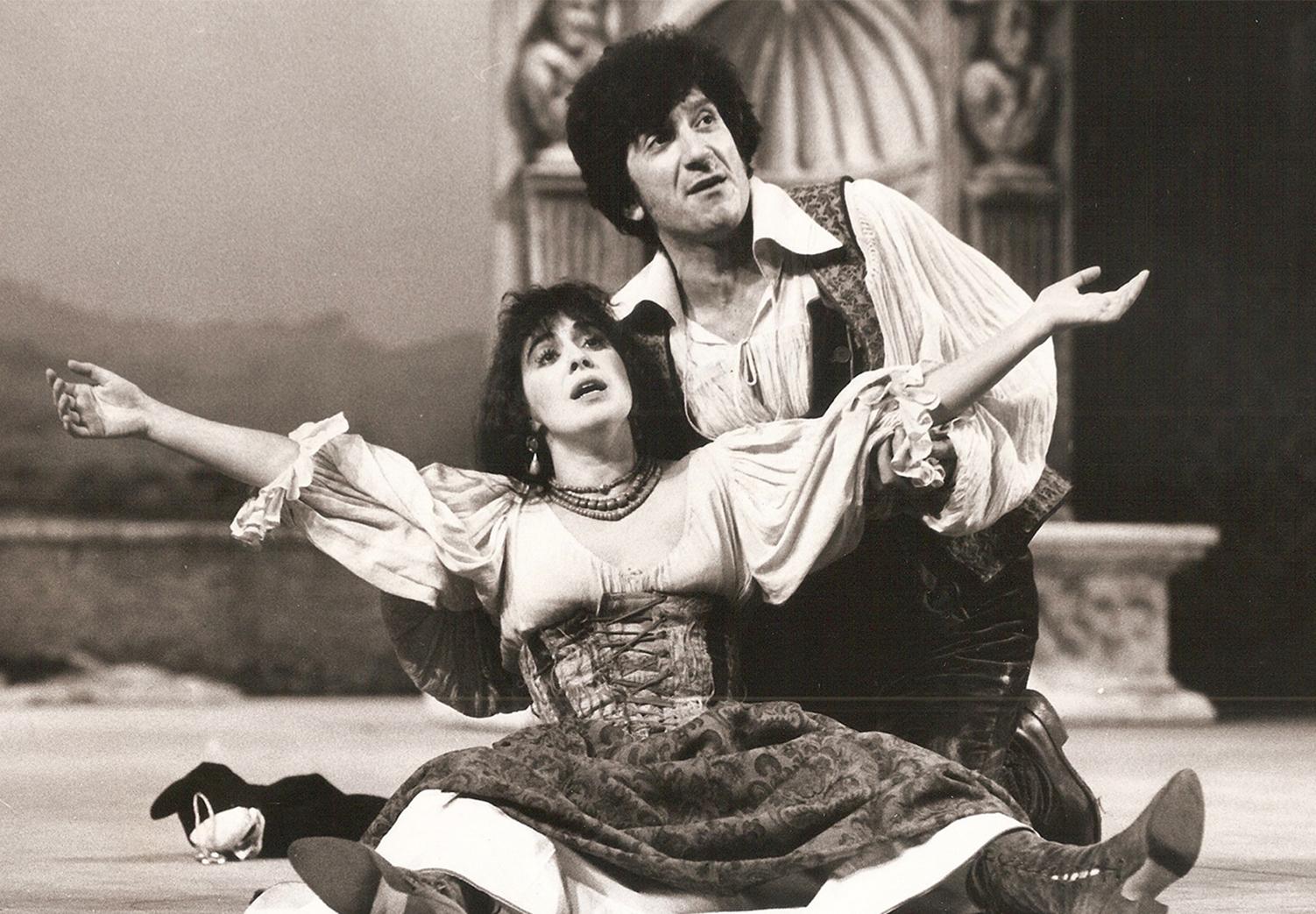 Gigi Proietti e Luisa De Santis in La Commedia di Gaetanaccio, Teatro Brancaccio 1978