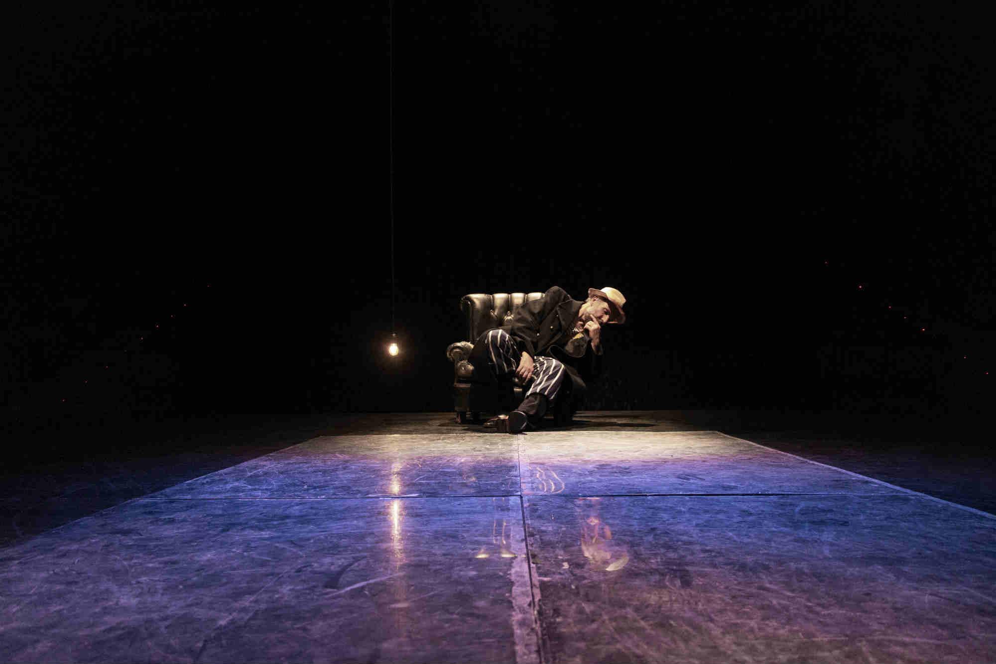 2-W-Il-sogno-di-un-uomo-ridicolo-regia-Lorenzo-Loris-nella-foto-Mario-Sala-Foto-Erica-Falcinelli