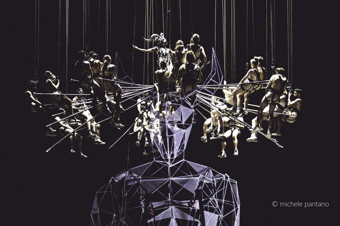 Il cuore del teatro greco di Siracusa torna a pulsare con le Baccanti di Carlus Padrissa