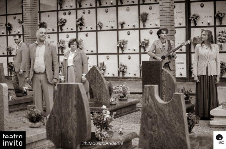 Appuntamento al cimitero: Spoon River in Brianza per l'Ultima luna d'estate